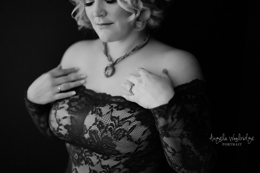 boudoir photography session, black and white woman in lace lingerie