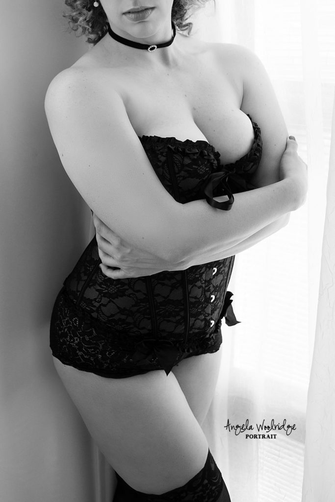 Columbus boudoir photos, lady in corset